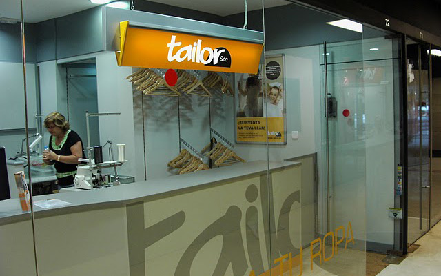Foto de Interior de Tienda Tailor&Co